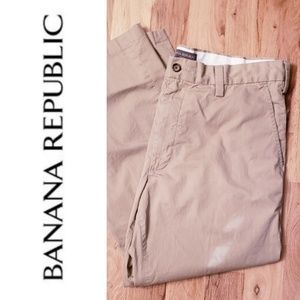 Banana Republic Lightweight Chinos Wide Leg